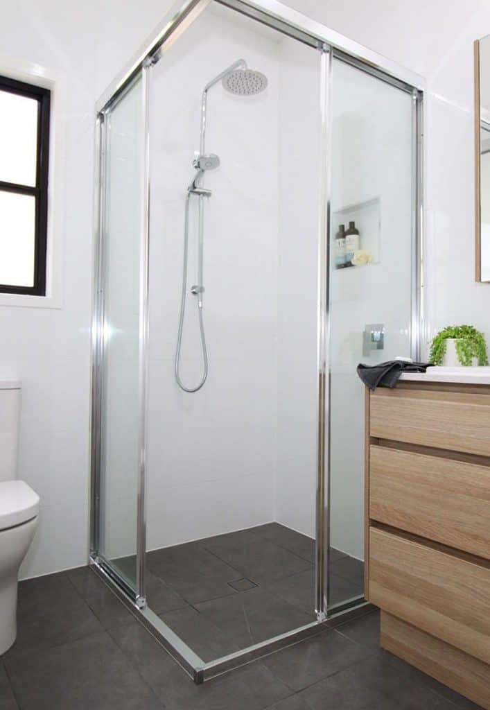 Fully-Framed Slider Shower Screen